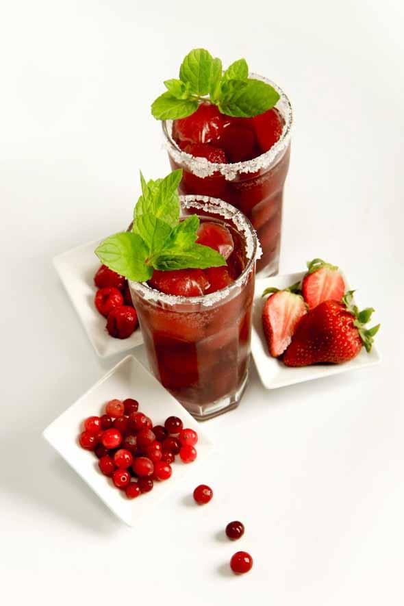 Czerwona ice tea przepisy na letnie drinki