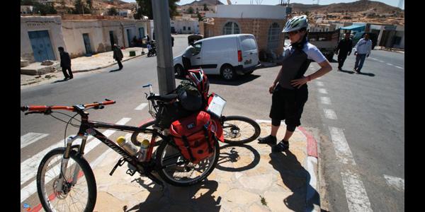 Rowerzystki na saharze