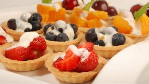 Babeczki z owocami i jogurtem – pyszny przepis