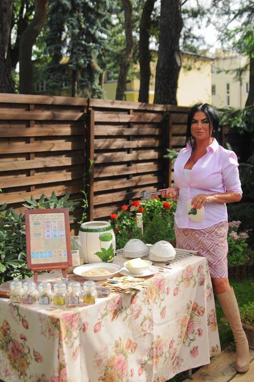 Monika Iskandar oczekuje na gości