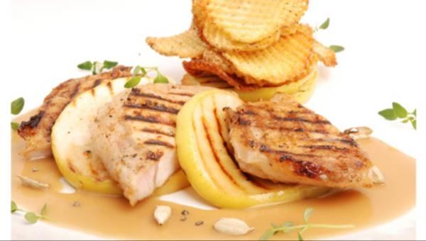 Przepisy: Stek wieprzowy z jabłkami w kardamonie