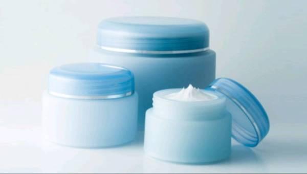 Radzimy: Jak zachować świeżość kosmetyków na dłużej?