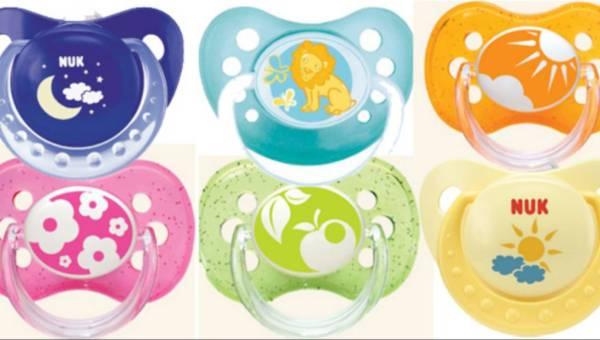 Jaki smoczek dla niemowlęcia – kauczukowy czy lateksowy?