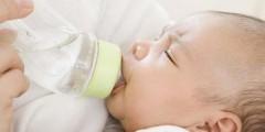 sterylizacja-butelek-niemowląt