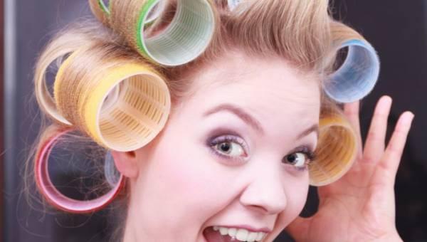Wasze porady: 6 sposobów na kręcone włosy