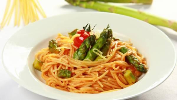 Przepisy: Spaghetti z zielonymi szparagami