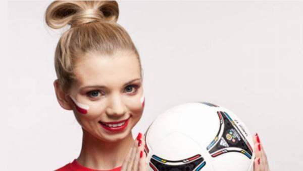 Kibicuj ze swoim chłopakiem podczas Euro 2012  – makijaż kibicki krok po kroku z Simple Beauty