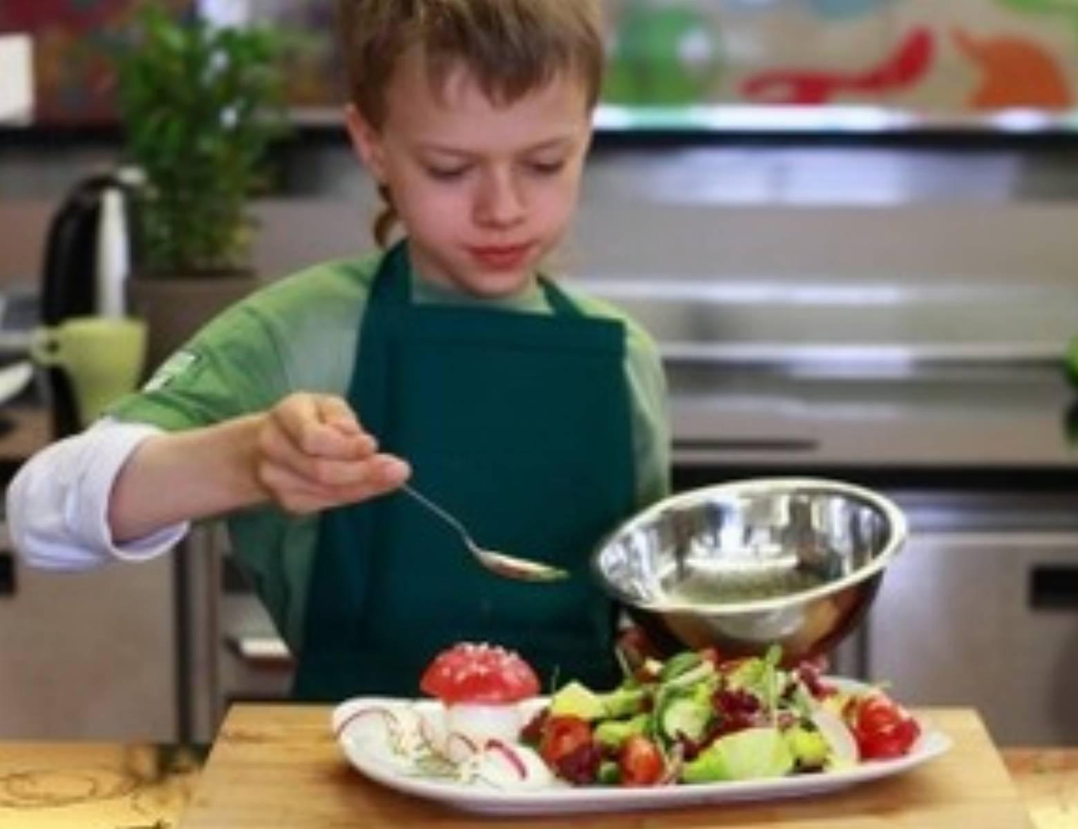 mysia-salatka-video-krok-6
