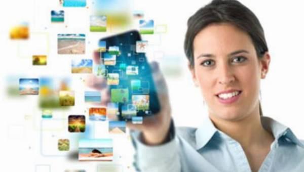 Jak smart woman korzysta ze swojego smartfona?