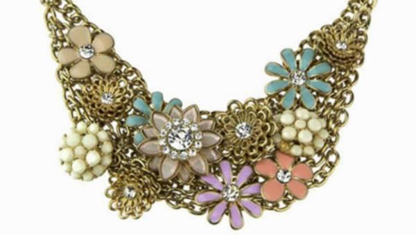 Vezzi – nowa marka biżuterii i dodatków