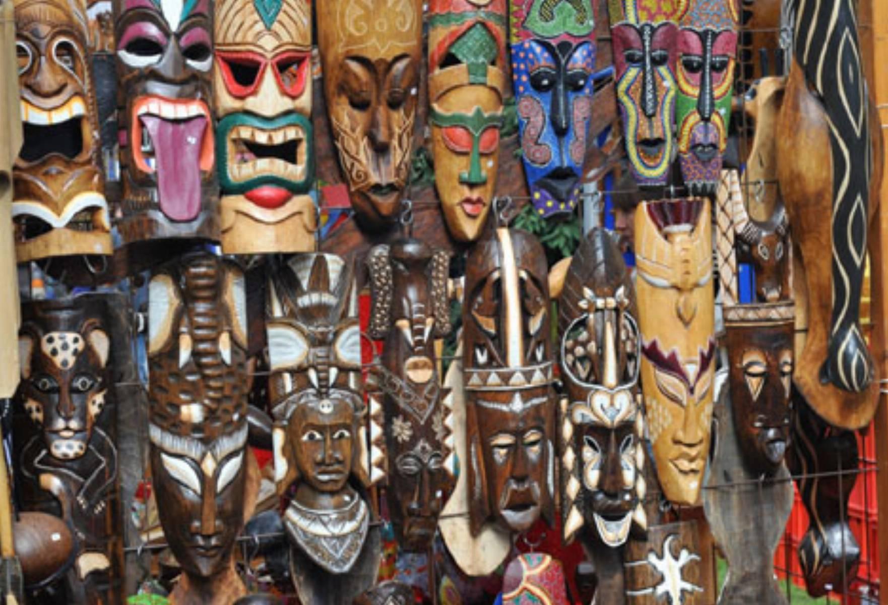 afrykańskie połączenie tkaniny spotyka się z filipińskim facetem z Ameryki