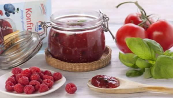 Nietypowy przepis – konfitura malinowo-pomidorowa z bazylią