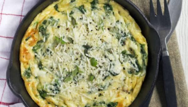 Czas na szczaw – omlet ze szczawiem i żółtym serem