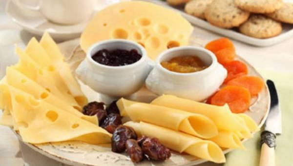 Sprytne sposoby na ser żółty – triki i porady