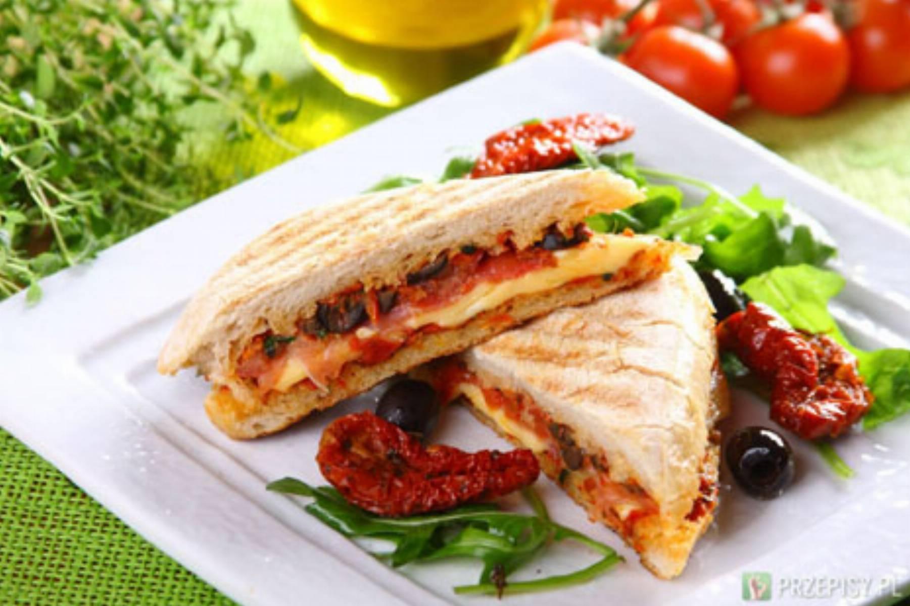 Wloskie panini z szynka i serem