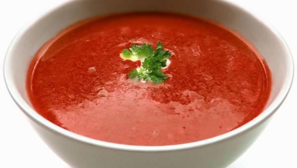 Przepisy na chłodniki z całego świata – najlepsze zupy dla ochłody!