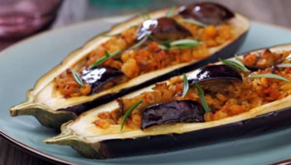 Bakłażan z makaronem – smaczne danie na ciepło!