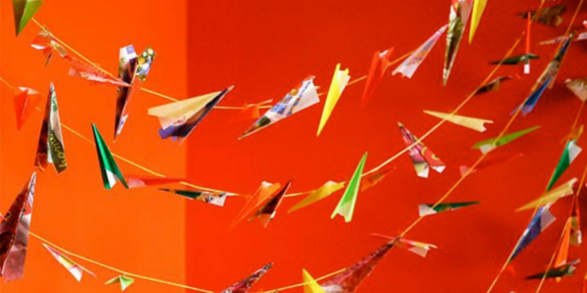 Girlanda-z-samolotow-_0_jak-ozdobic-pokoj-dziecka_DIY