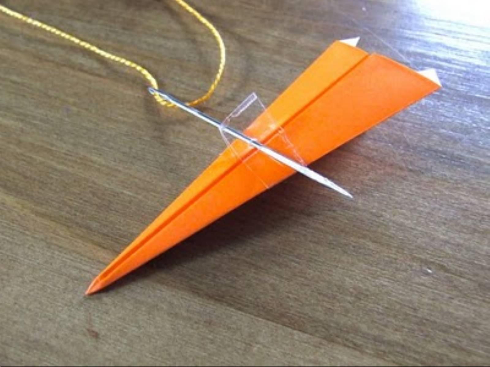 Girlanda z samolotow _4_jak ozdobic pokoj dziecka_DIY