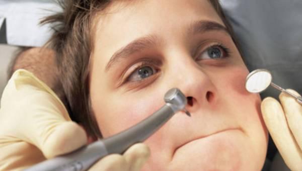 Nie bój się dentysty – dziesięć prostych i skutecznych rad