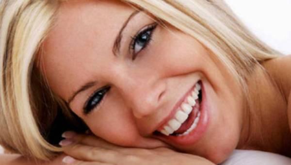 Dzisiaj Dzień Uśmiechu – poznaj 10 sposobów na uśmiech Hollywood!