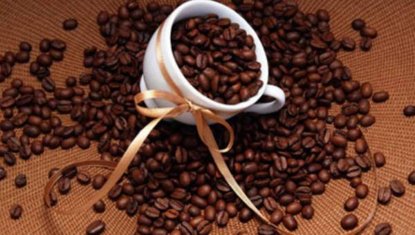 """""""Mała czarna"""" – mała waga? Odchudzające właściwości kawy"""