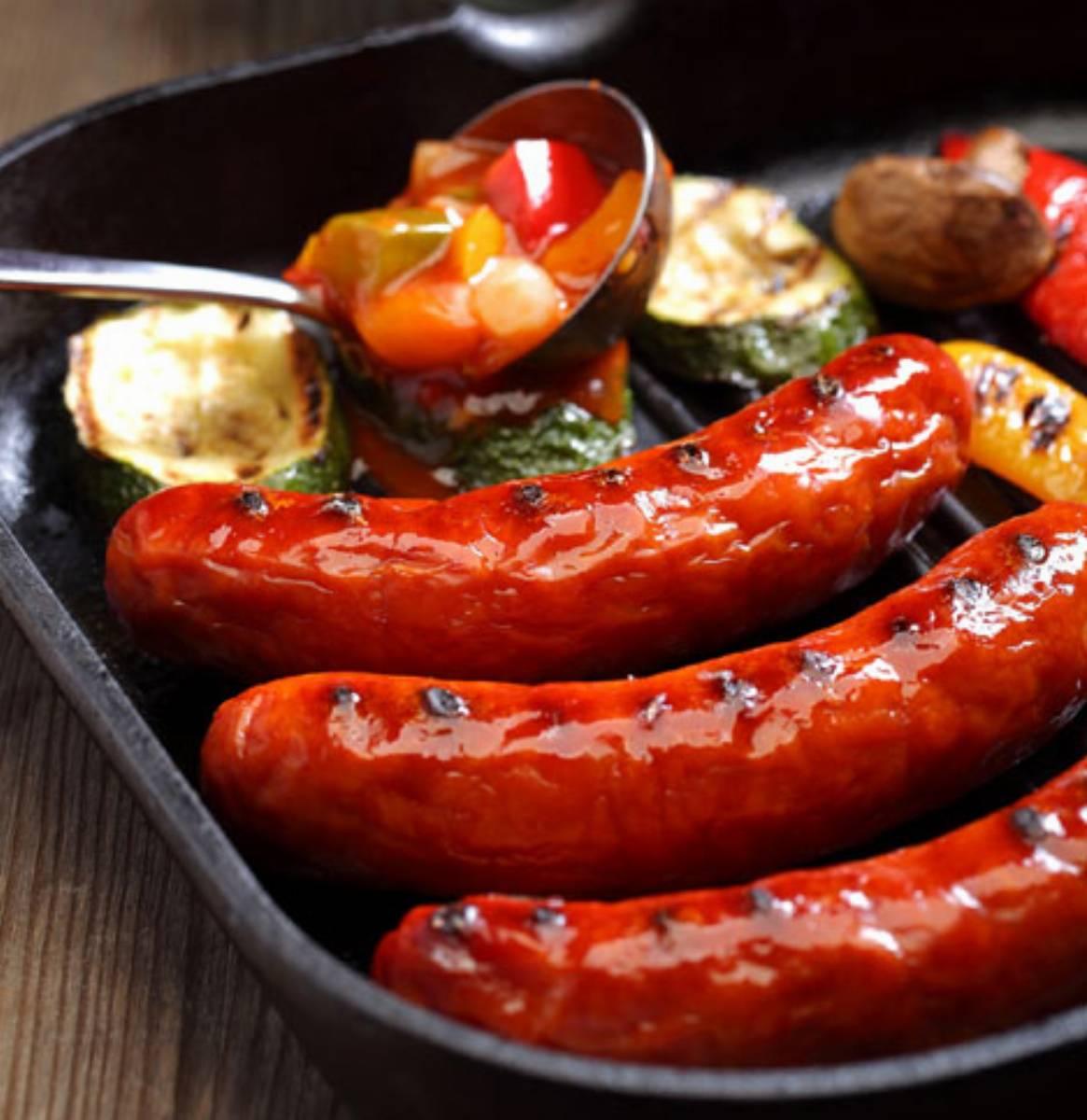 Kielbasa z sosoem salsa fot. ZM Pekpol