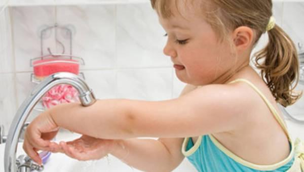 Jak nauczyć malucha dobrych nawyków higienicznych