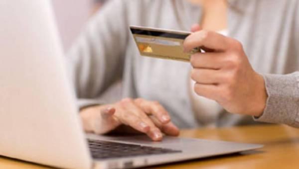 Co kobiety kupują w sieci?