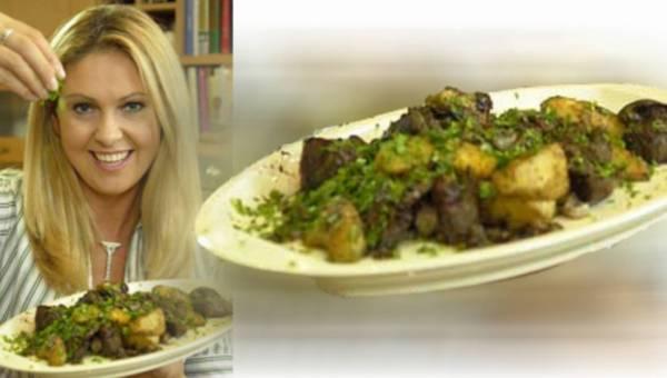 Brokułowy krem z migdałami i bryndzą – wg Ewy Wachowicz