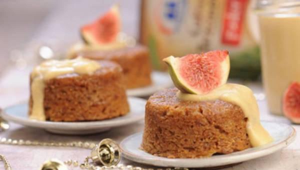 Figowo-orzechowy pudding z trzcinowym creme anglaise – dekoruj smakiem!