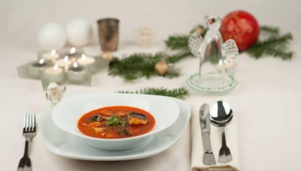 Halaszle – rybna zupa z karpia. Danie węgierskie na Boże Narodzenie