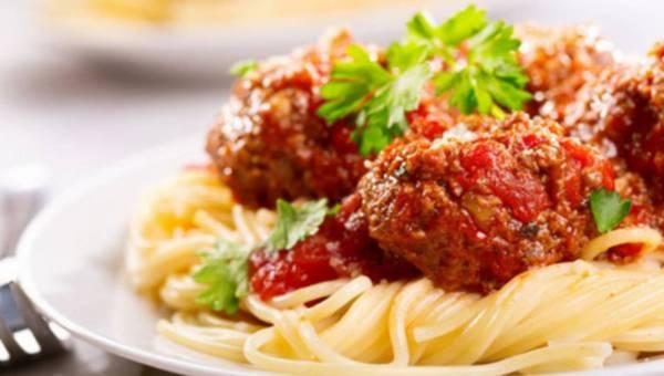 Jak rozgrzać się w zimne dni? Wypróbuj przepisy na 3 apetyczne dania!