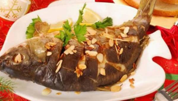 Dobra ryba to świeża ryba! Jak wybrać wigilijnego karpia?