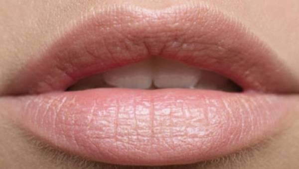 Usta na cenzurowanym