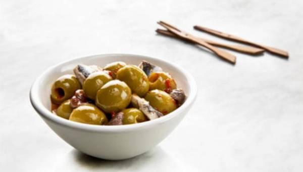 Wigilijny śledzik z dodatkiem hiszpańskich oliwek