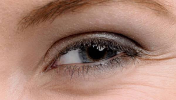 Zadbaj  o skórę wokół oczu!