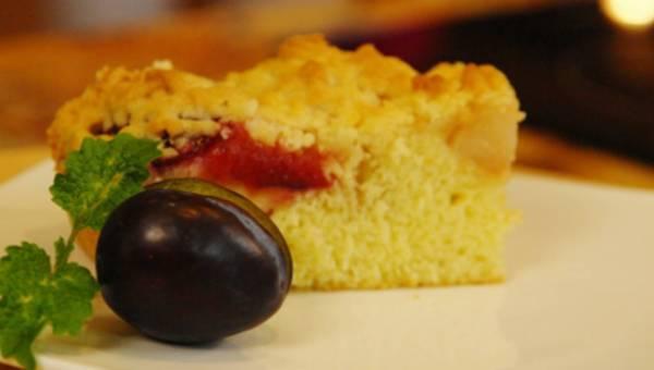 Ciasto śliwkowo-gruszkowe – przepis Ewy Wachowicz