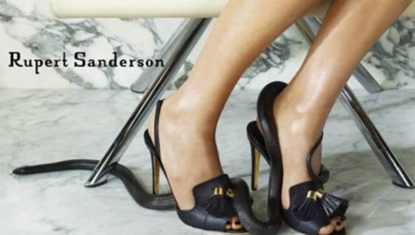Węże w nowej kampanii reklamowej butów Ruperta Sandersona