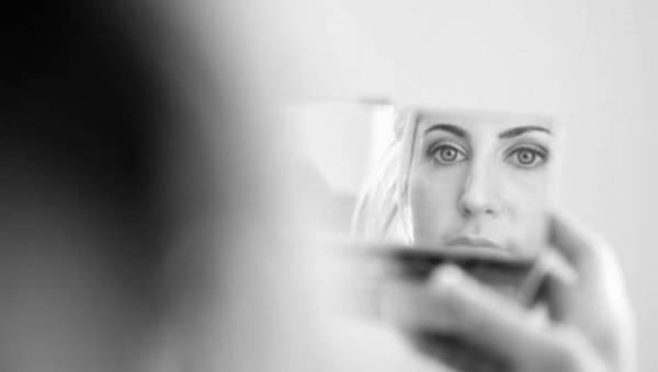 Kobieta w depresji – po stracie, po kryzysie, po jednym głębszym  na rozluźnienie