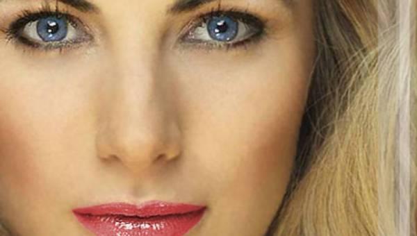 Przyciągaj spojrzeniem, kuś ustami – romantyczny makijaż z Delia Cosmetics!