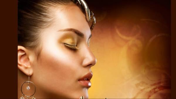 Złoty i brązowy makijaż – jak się umalować w tej tonacji?
