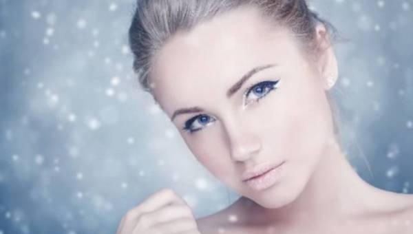 Jakie kosmetyki zabrać na zimowy urlop?