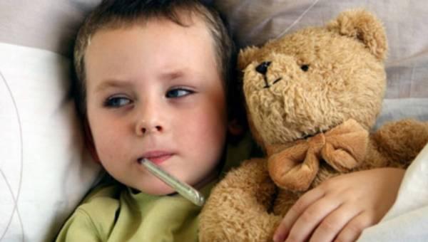 Jesteś po prostu zmęczona ciągłymi chorobami dziecka? Podpowiadamy, jak ogarnąć ten temat