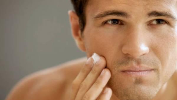 Dlaczego panowie coraz częściej sięgają po kosmetyki? A jak jest z Twoim mężczyzną?