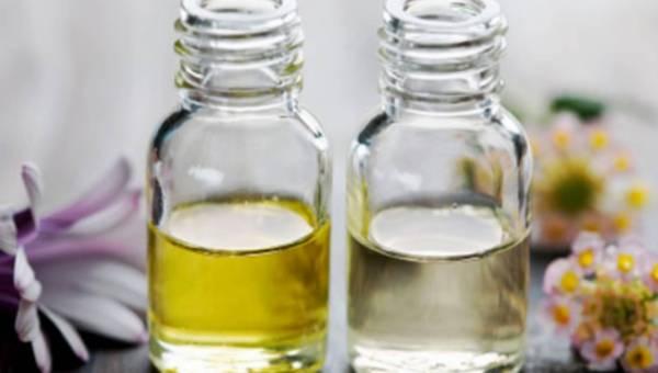 Olejki naturalne – 5 powodów, dla których nie może ich zabraknąć w Twojej kosmetyczce