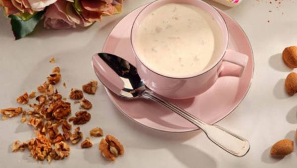 Przepis na: Zupa serowa z szynką i chilli