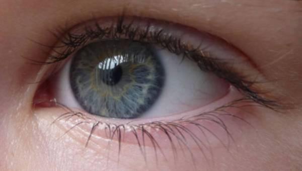 Jak odmłodzić starzejące się oko?