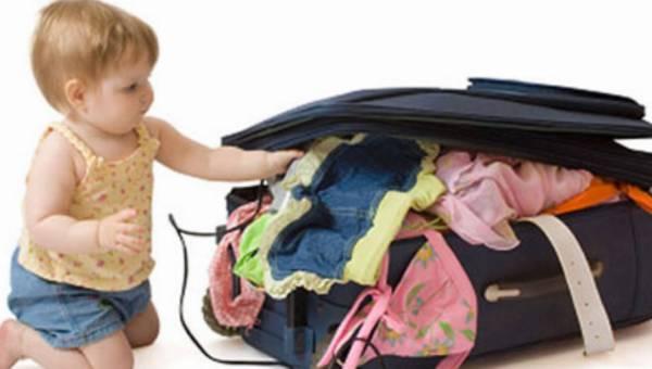 Podróż z maluchem – jak się przygotować, co zabrać ze sobą?
