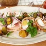 Salatka wielkanocna z sosem tatarskim